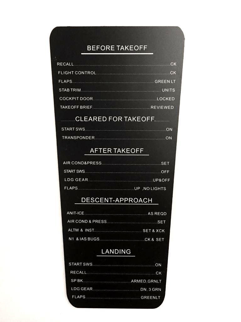 Cockpit phD - Boeing 737/747/777 Yoke Checklist V2 | Aerosoft Shop